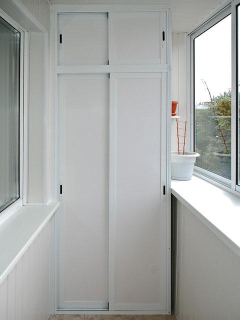 Изготовление алюминиевых шкафчиков на балкон в железнодорожн.